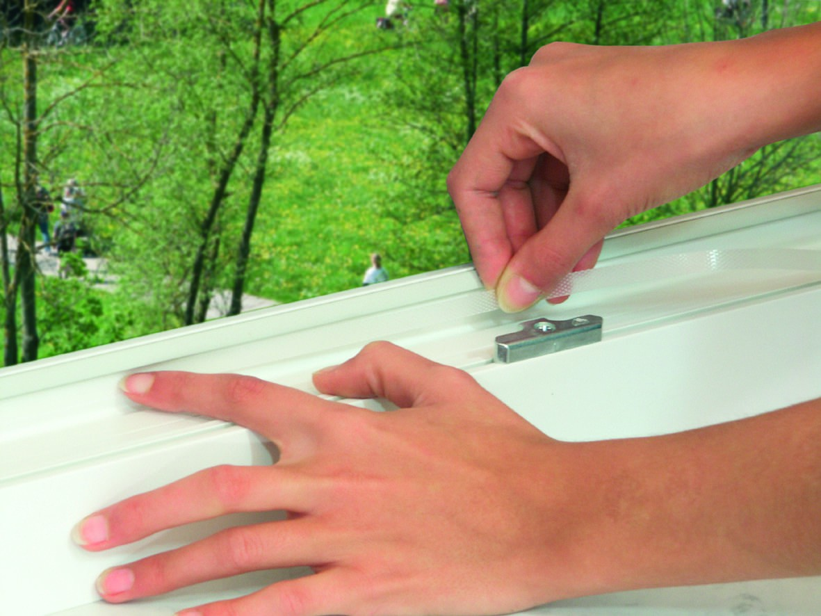 insektenschutz polyester lamellen fliegengitter f r t ren. Black Bedroom Furniture Sets. Home Design Ideas